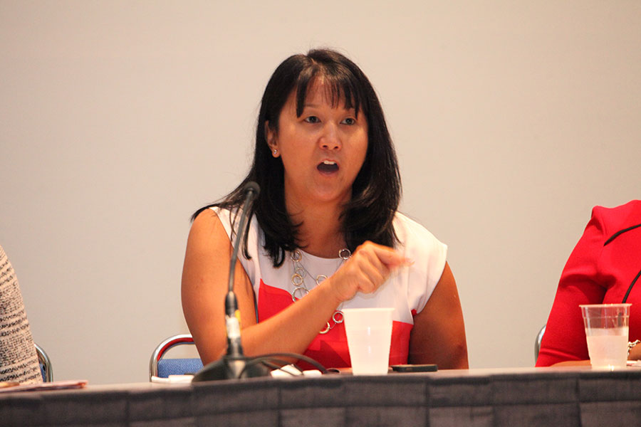 "Panelist Kelly Bengston (Starbucks) at the ""Doing Business with Retail Industry: Fast and Furious"" Workshop"